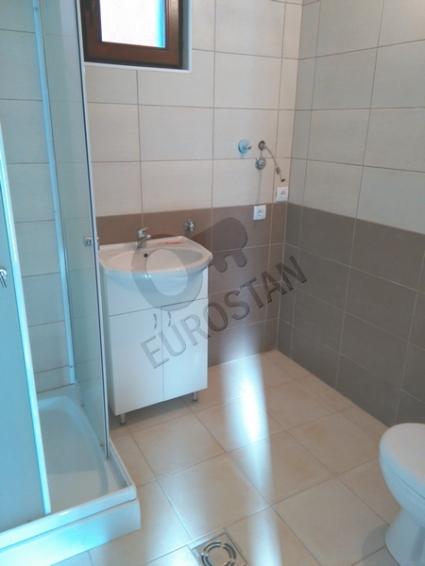 Kuća UČITELJSKO NASELJE 132000 EUR