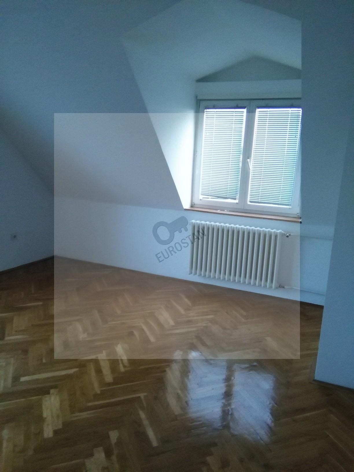 Kuća GOLF 250000 EUR