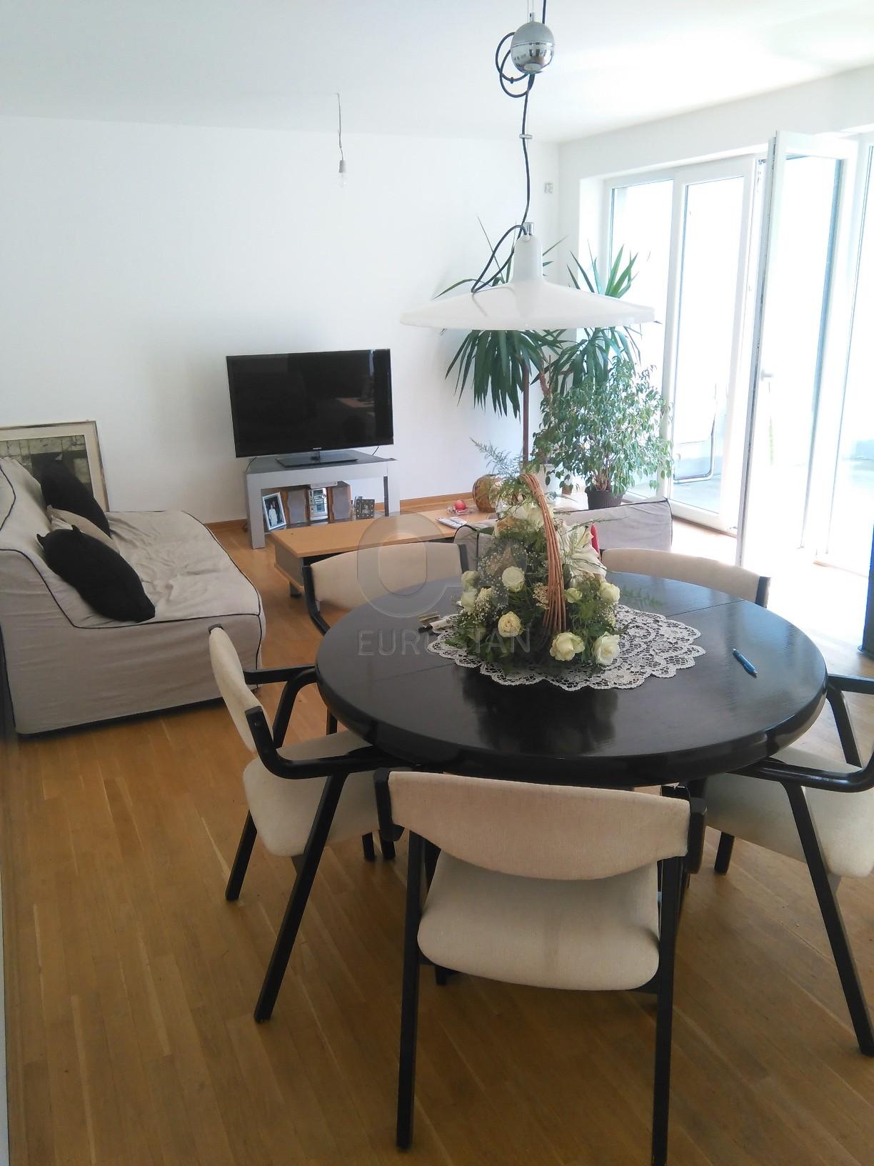 Kuća PETLOVO BRDO 135000 EUR