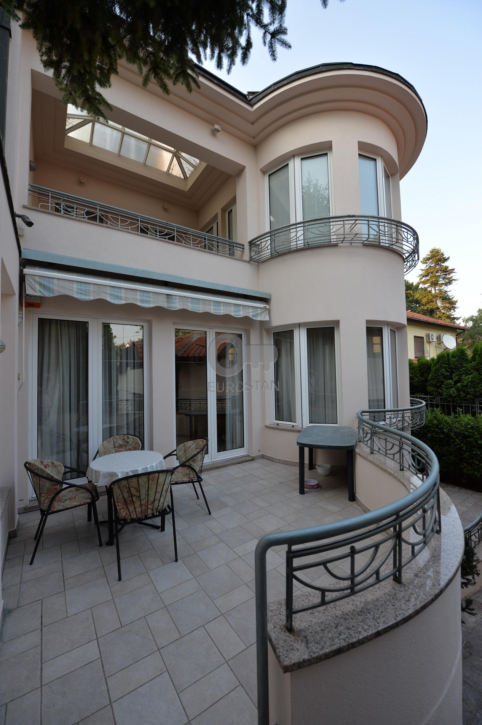 Kuća DEDINJE 1100000 EUR