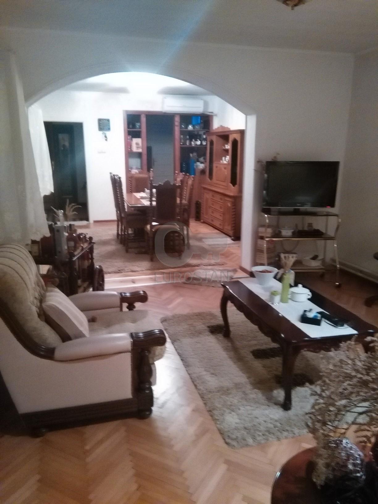 Kuća BATAJNICA 150000 EUR
