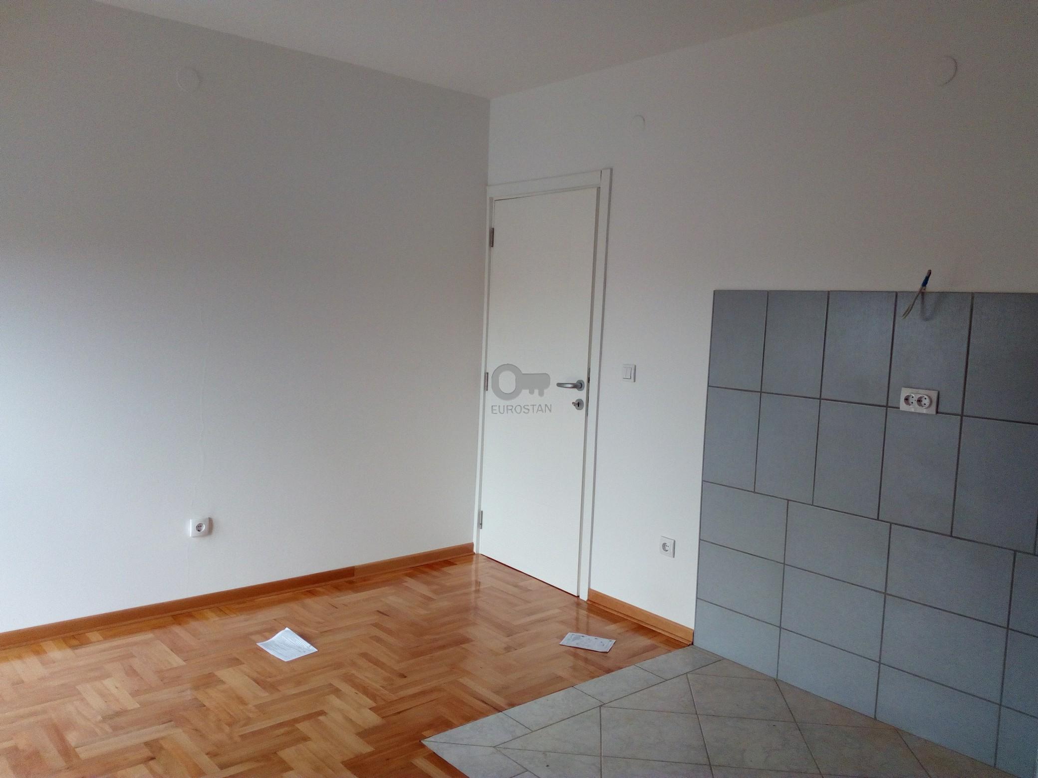 Stan SURČIN 23900 EUR