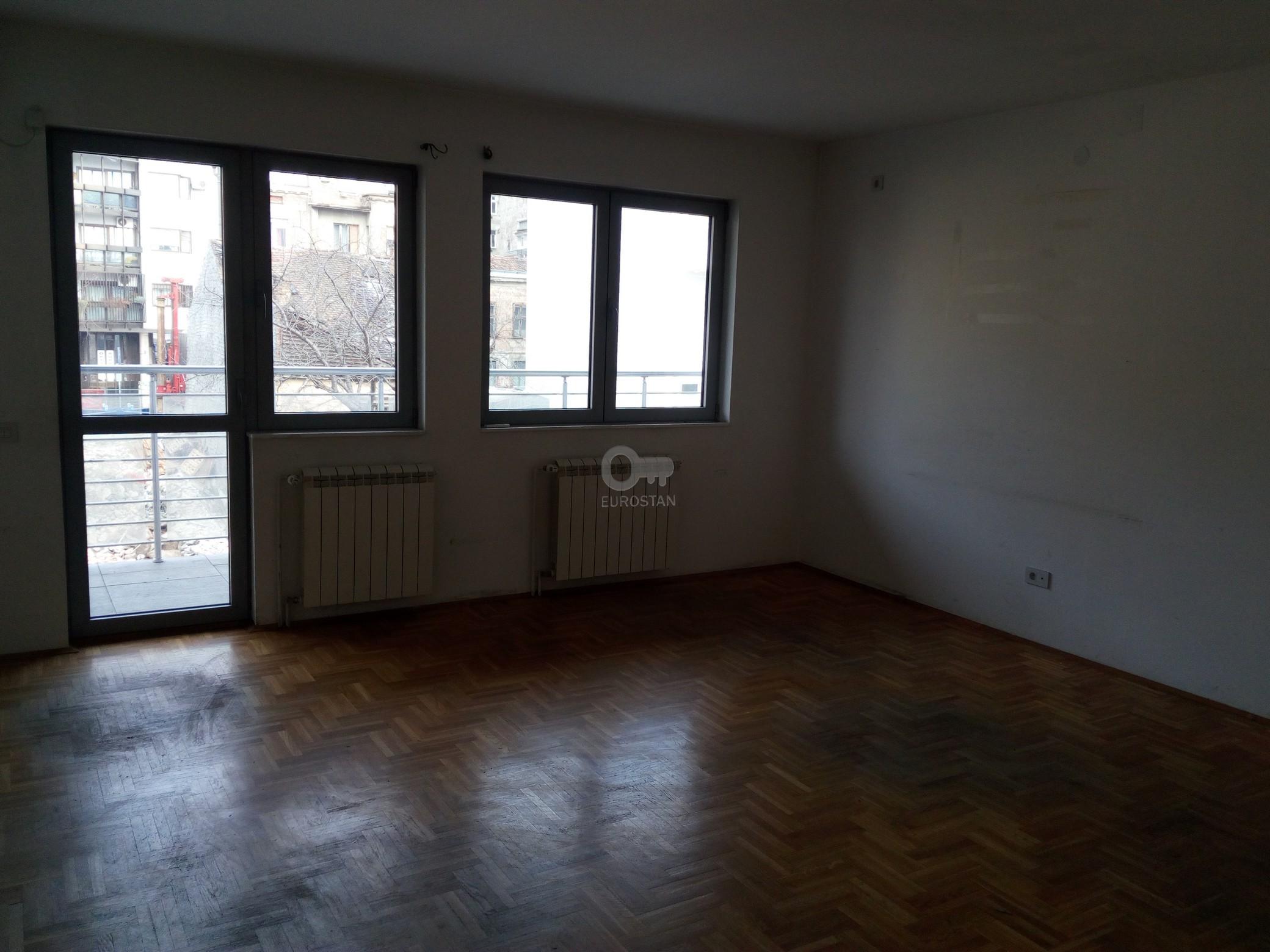 Poslovni prostor EKONOMSKI FAKULTET 750 EUR