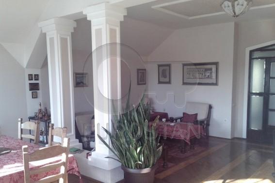 Kuća ZEMUN CENTAR 380000 EUR
