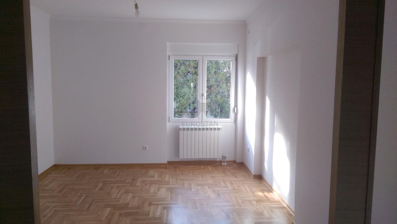 Stan GOSPODARA VUČIĆA 98000 EUR