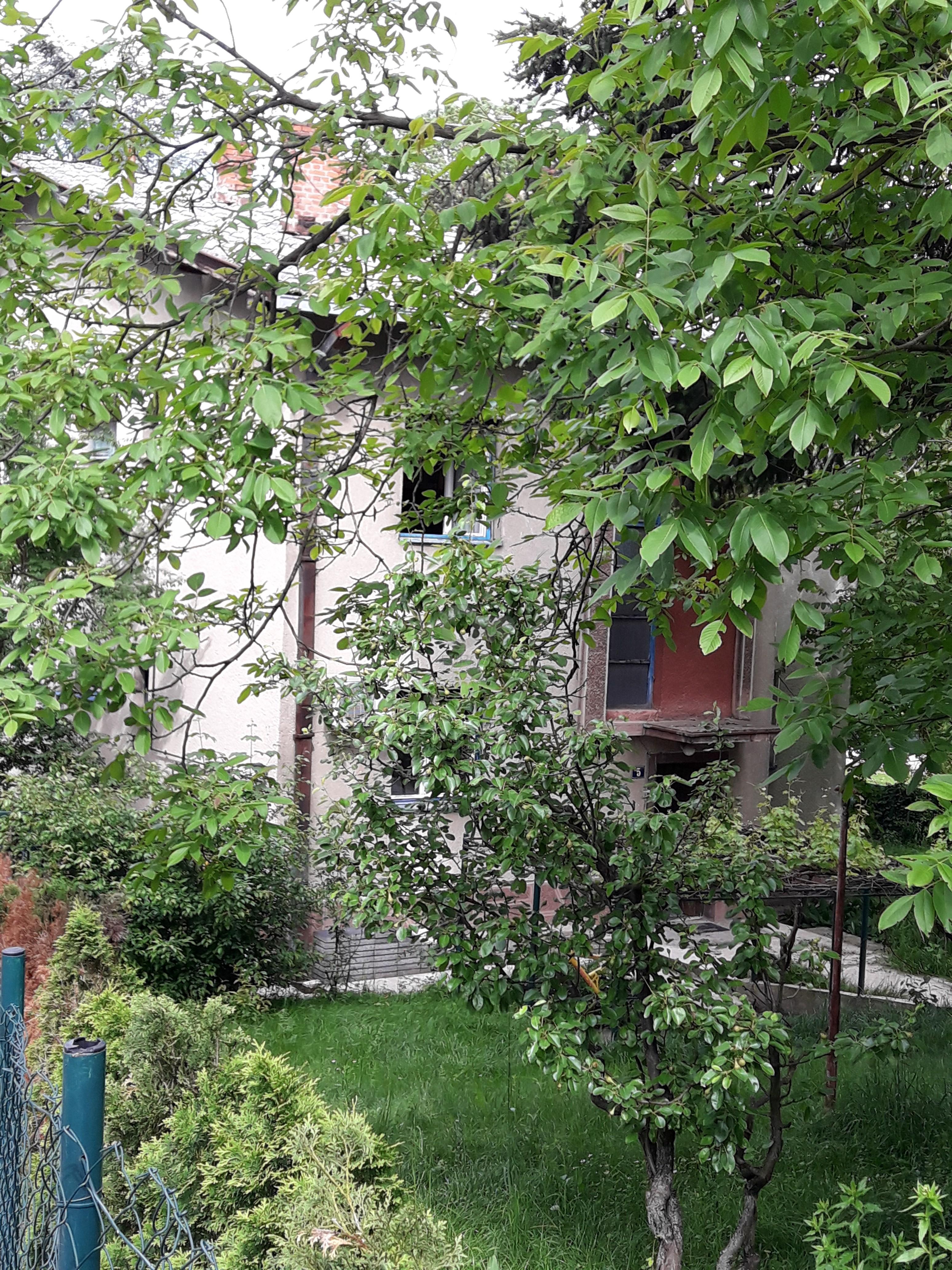 Kuća DEDINJE 900000 EUR