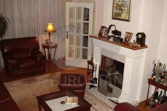 Kuća ZEMUN CENTAR 610000 EUR