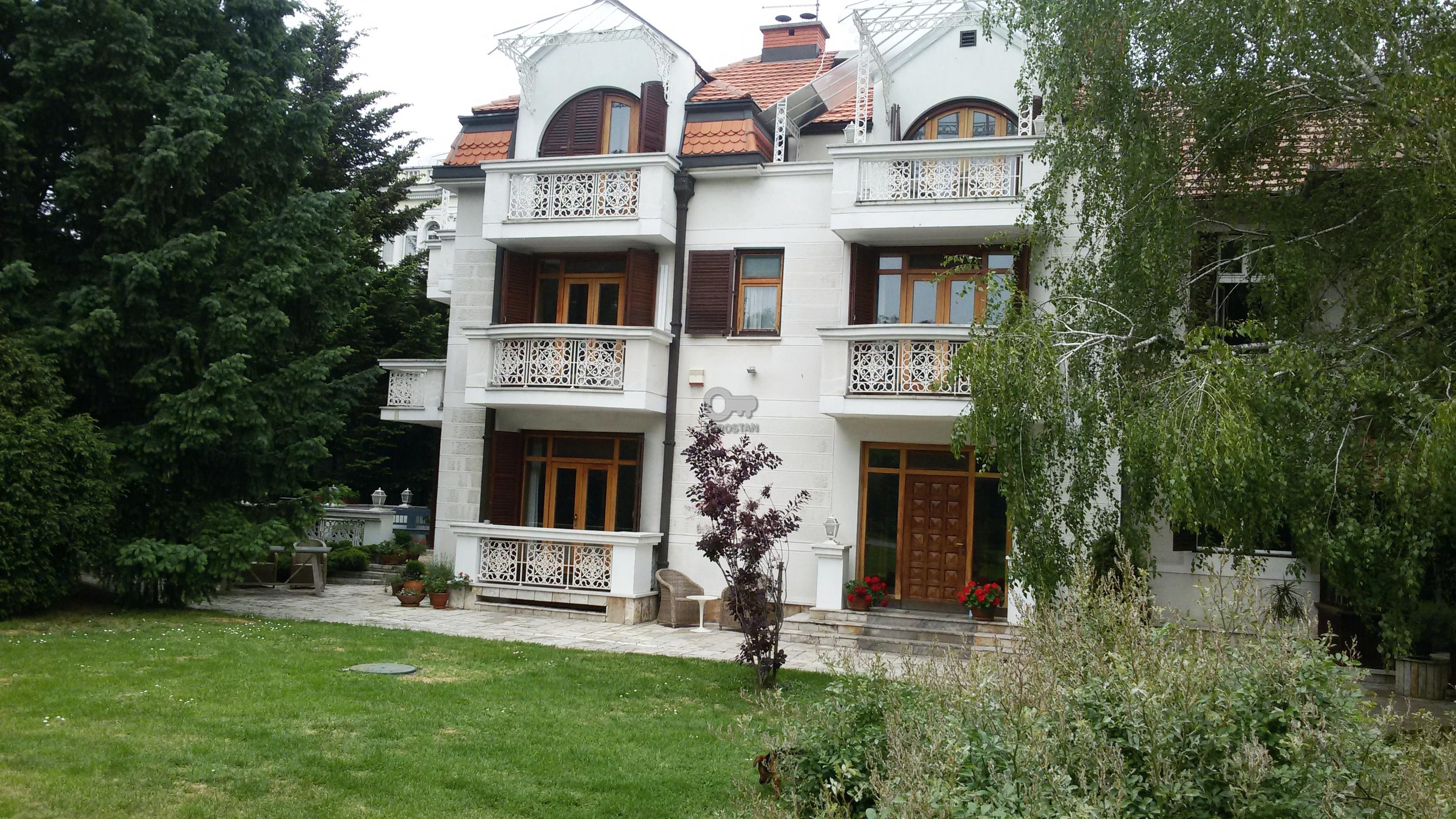 Kuća DEDINJE 3990000 EUR
