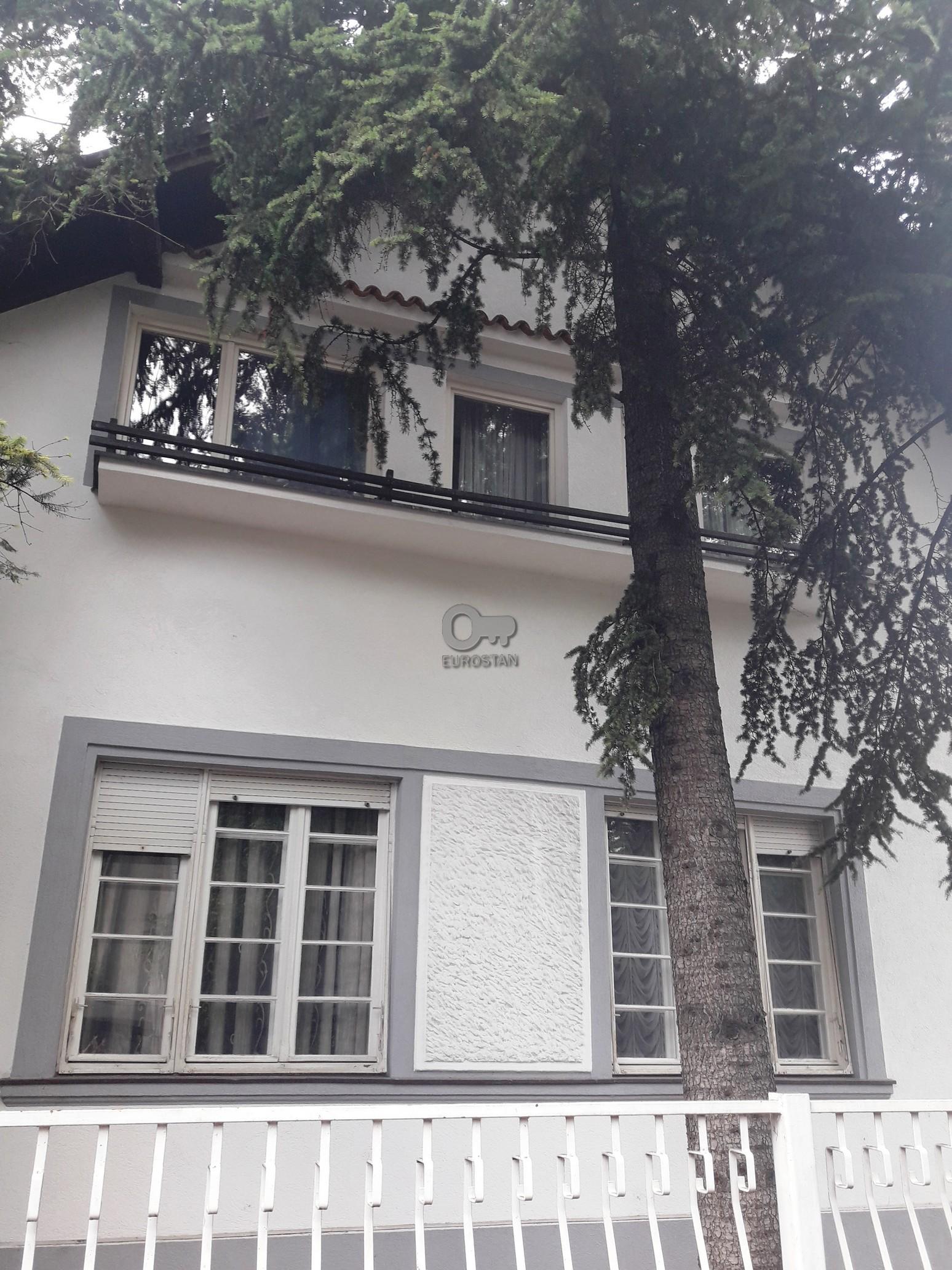 Kuća BULEVAR OSLOBOĐENJA 390000 EUR