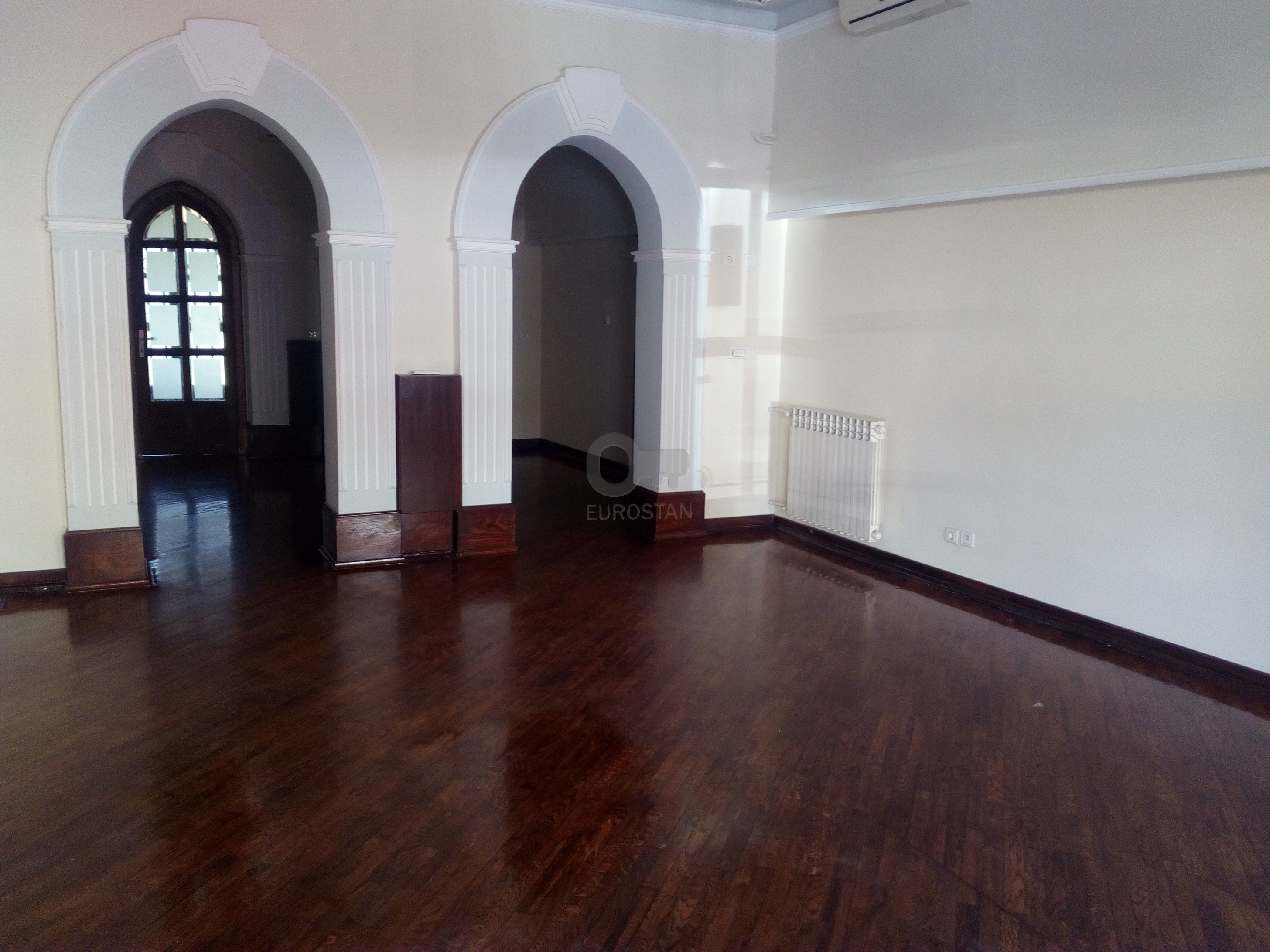 Poslovni prostor ZEMUN CENTAR 1000 EUR