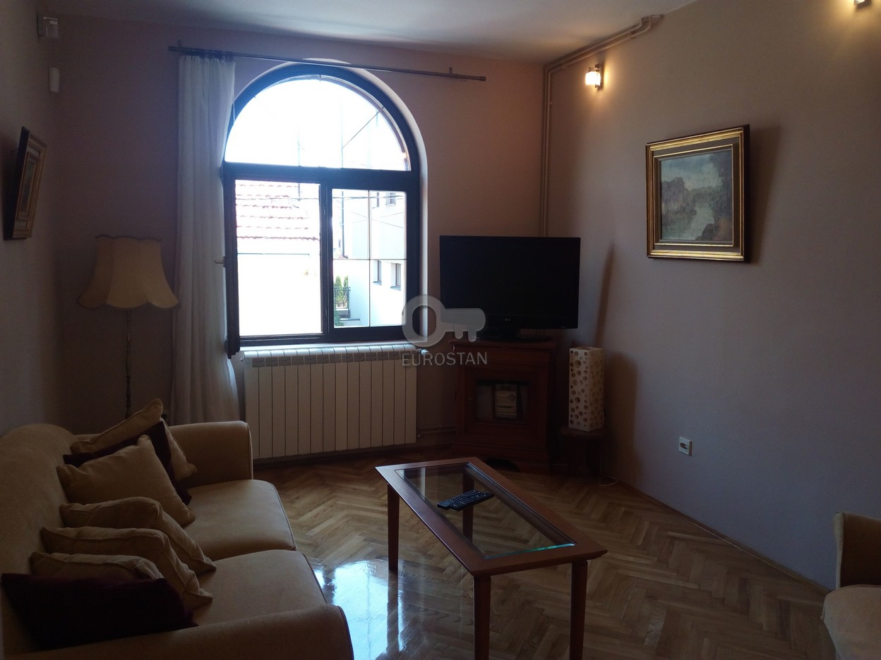 Kuća AUTOKOMANDA 2000 EUR