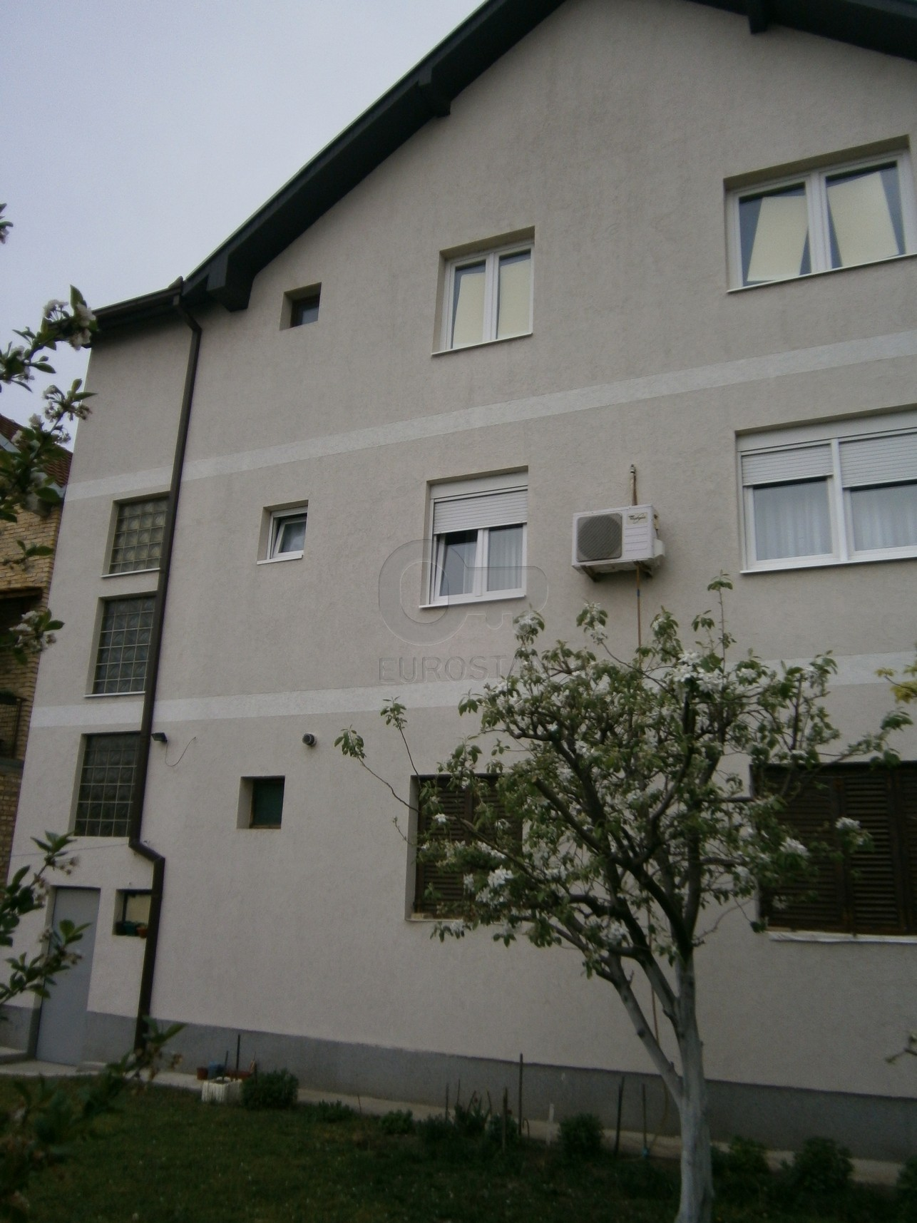 Kuća STARA PAZOVA 150000 EUR