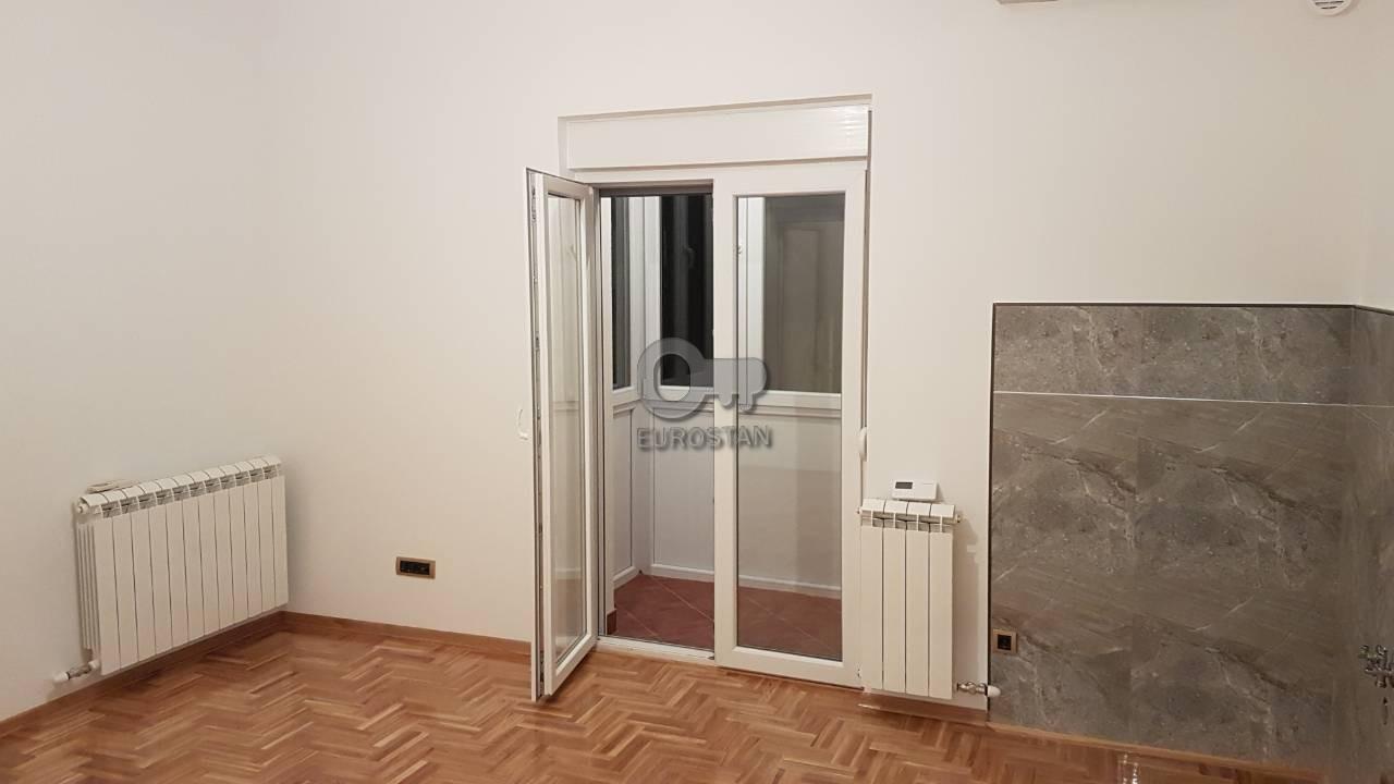 Stan VUKOV SPOMENIK 100000 EUR