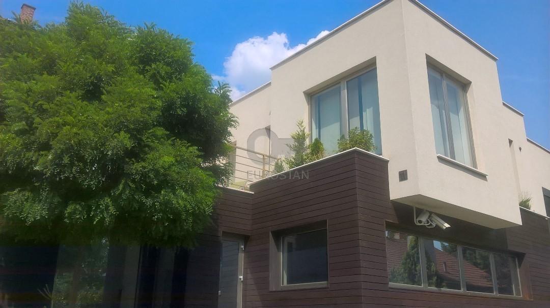 Kuća STARI KOŠUTNJAK 870000 EUR