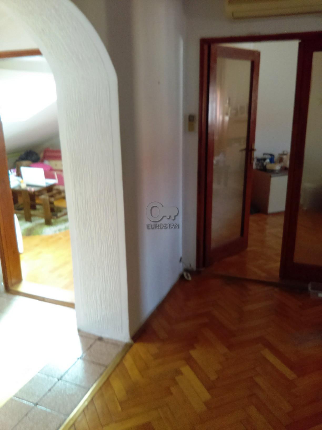 Stan BLOK 34 CARINA STUDENTSKI GRAD 64900 EUR
