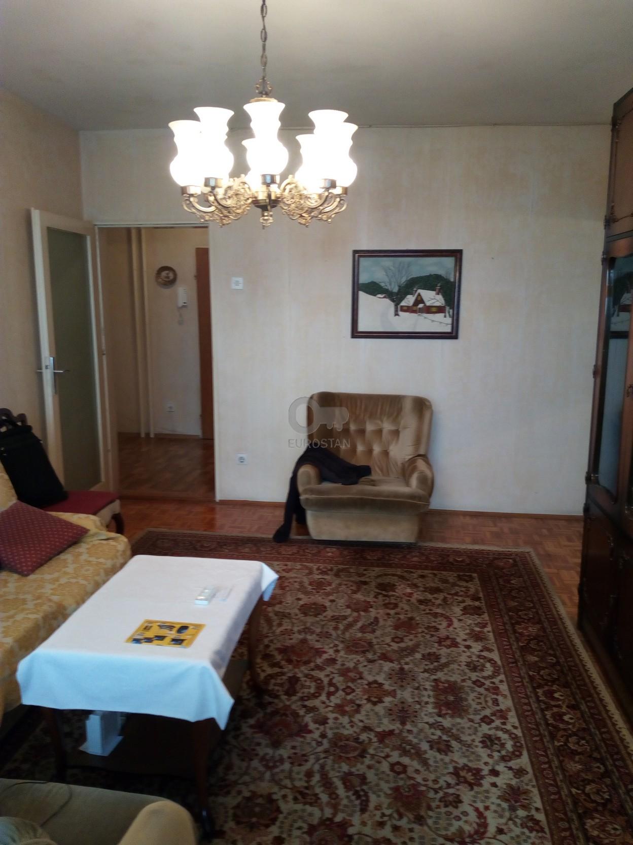 Stan KARAĐORĐEV TRG 330 EUR