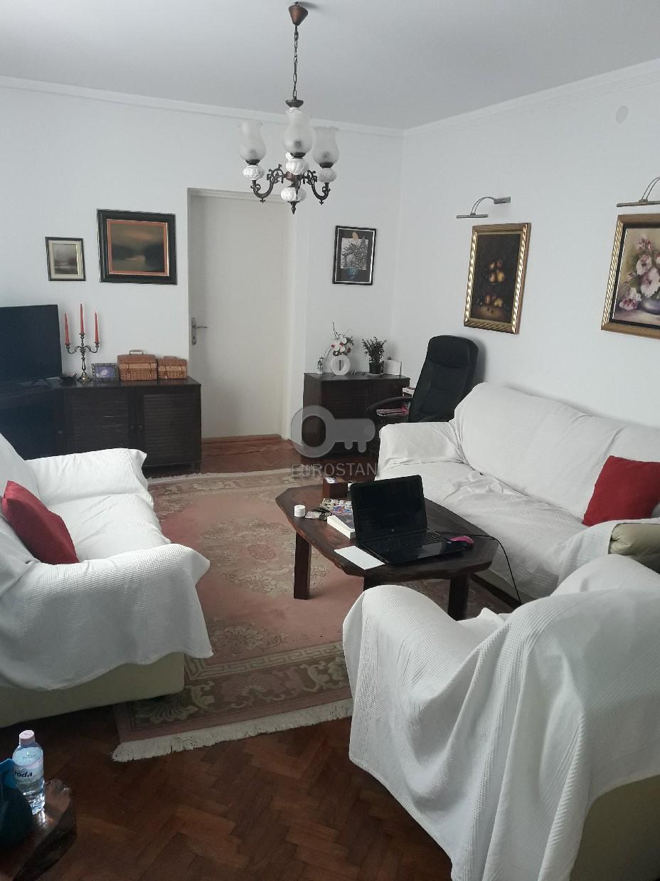 Kuća DEDINJE 880000 EUR