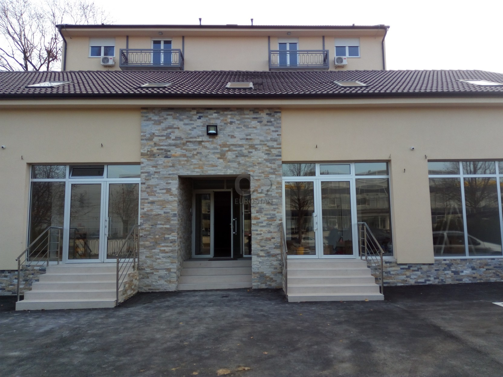 Poslovni prostor UGRINOVAČKA 112200 EUR