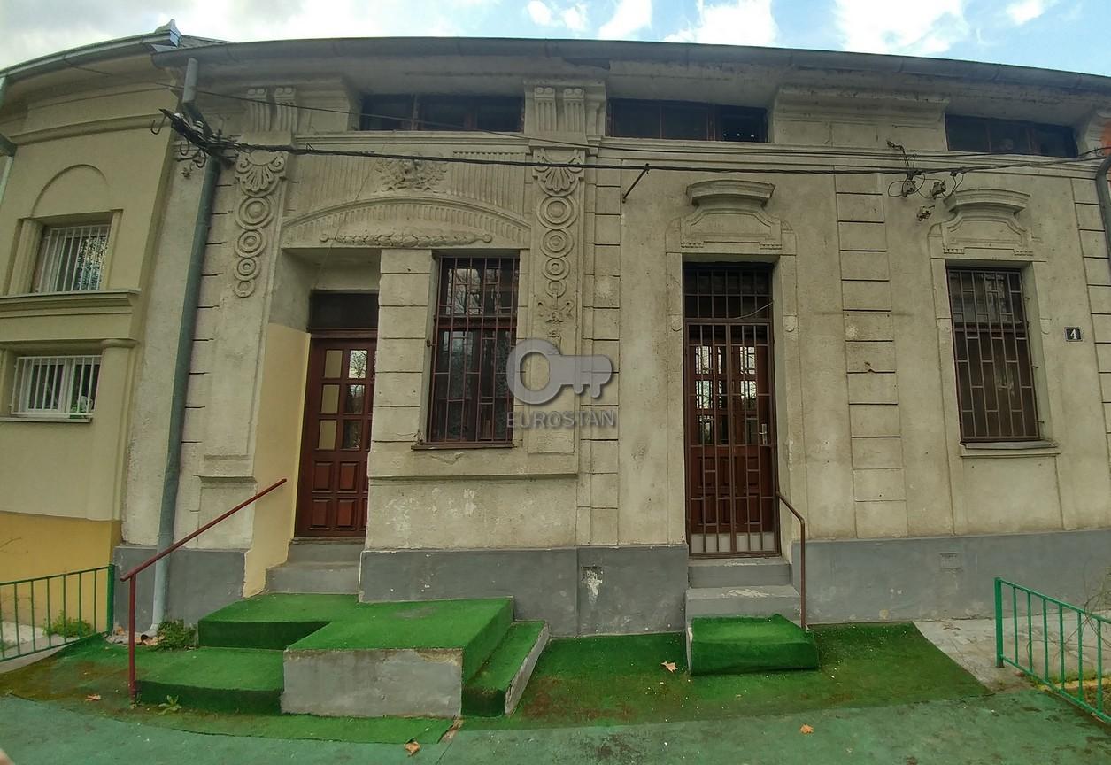 Kuća CENTAR 262000 EUR