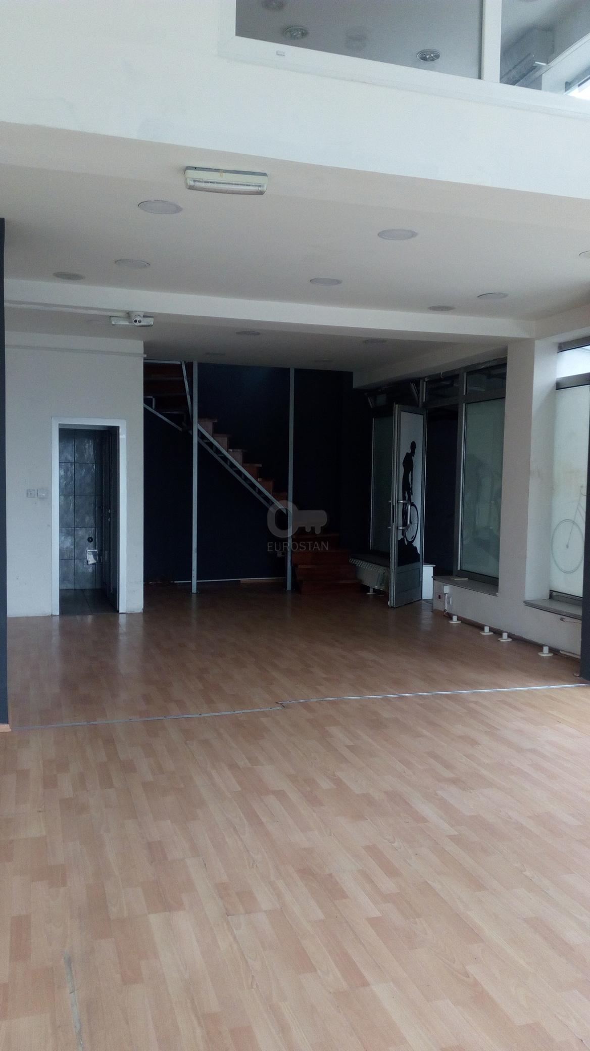 Poslovni prostor , Beograd (grad) | Poslovni prostor ČUKARIČKA PADINA 600 EUR