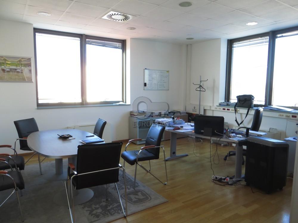 Poslovni prostor BEŽANIJSKA KOSA 1 6400 EUR