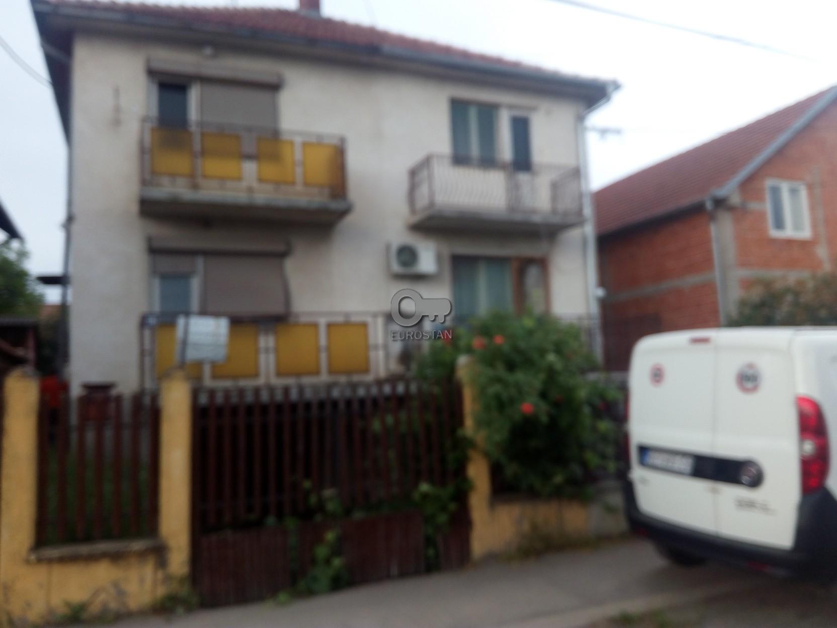 Kuća SURČIN 35000 EUR