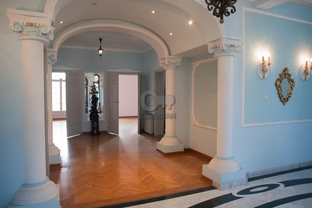 Kuća DEDINJE 990000 EUR