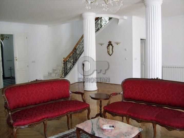 Kuća BULEVAR OSLOBOĐENJA 3700 EUR