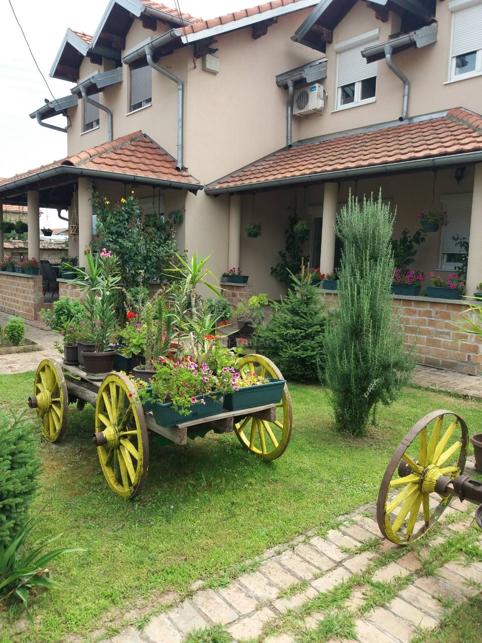 Kuća ALTINA 300000 EUR