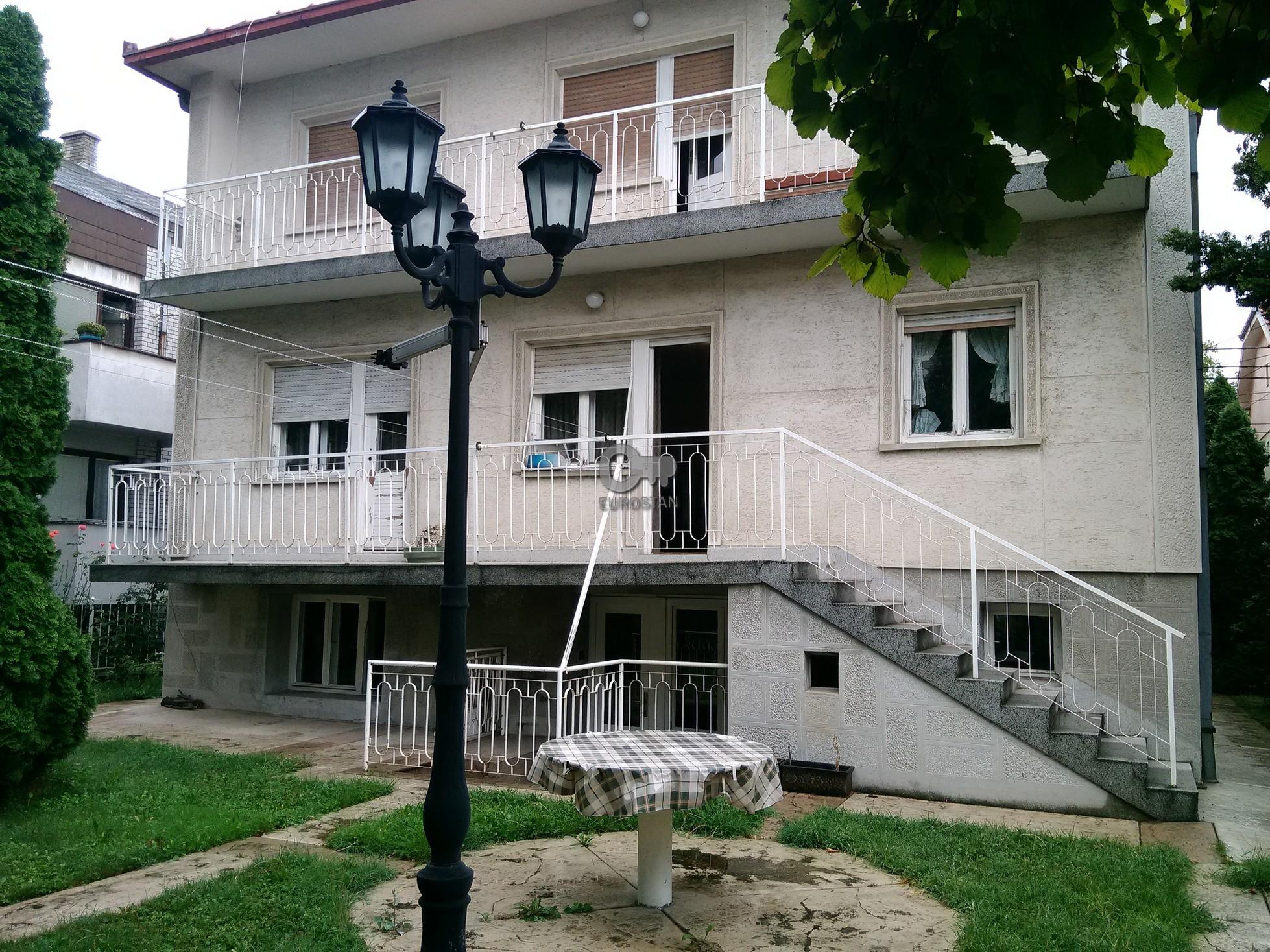 Kuća NOVI GRAD 200000 EUR