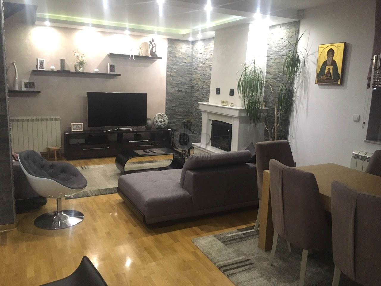 Kuća LEDINE 260000 EUR