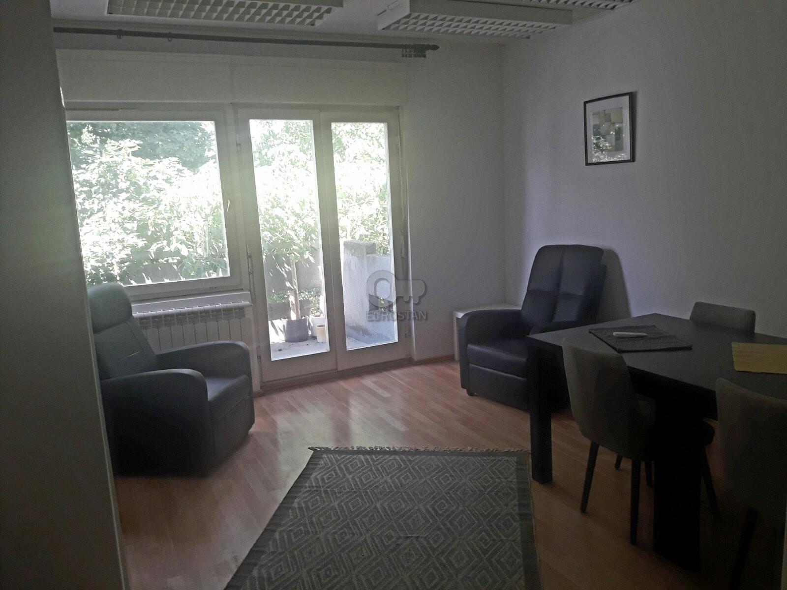Kuća GOLF 950 EUR