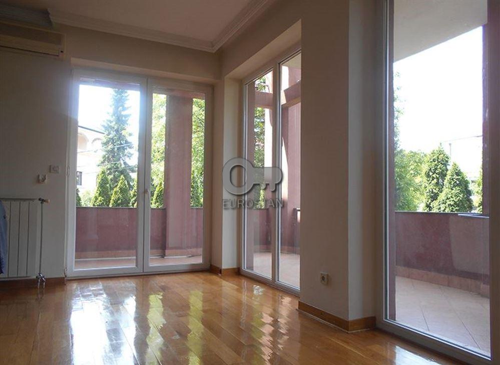 Kuća DEDINJE 595000 EUR