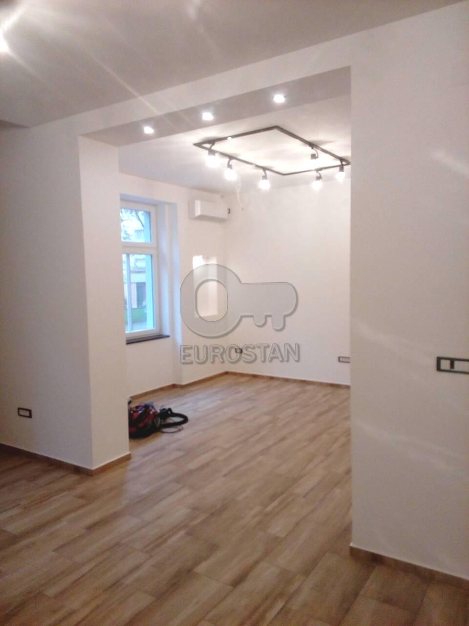 Poslovni prostor SLAVIJA 800 EUR