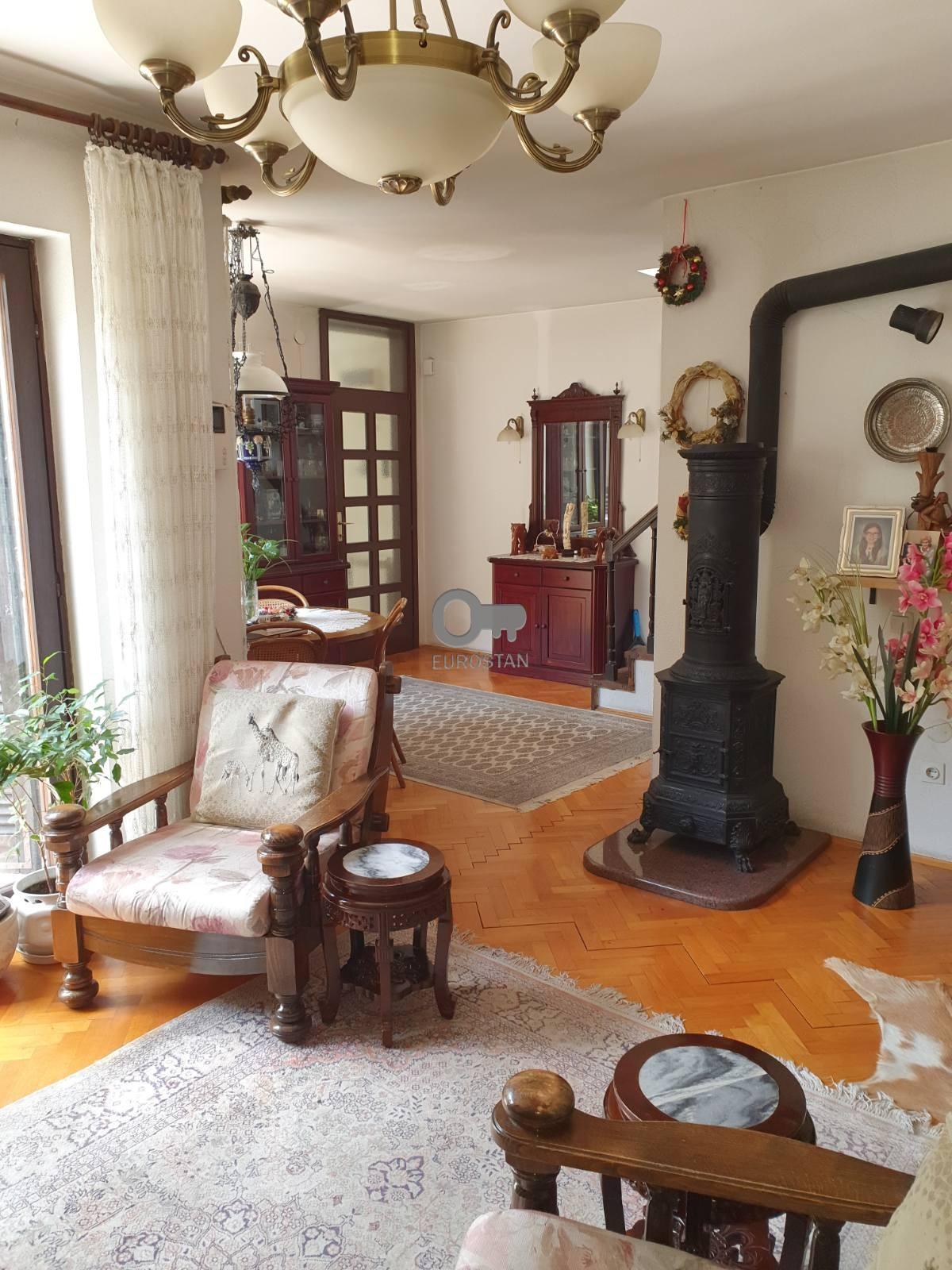 Kuća BEŽANIJSKA KOSA 1 240000 EUR